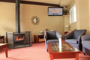 Lounge Bar Area (800x533)